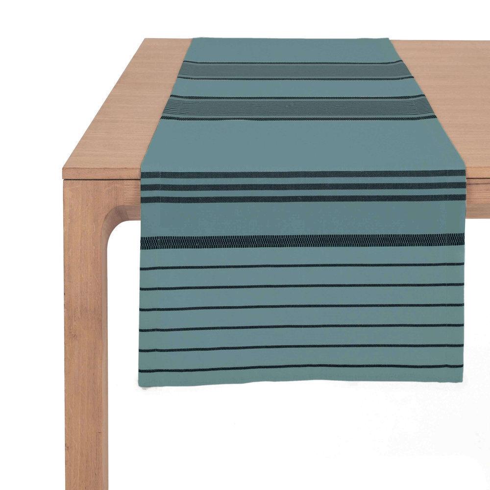 chemin de table marron cr me. Black Bedroom Furniture Sets. Home Design Ideas